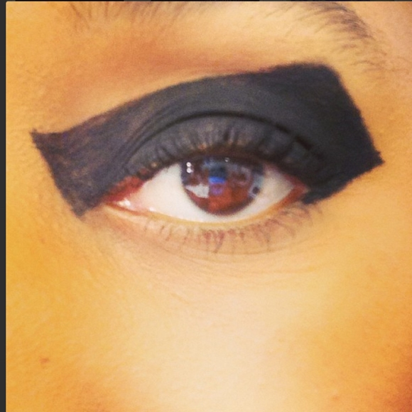 2 vv brown instagram make up