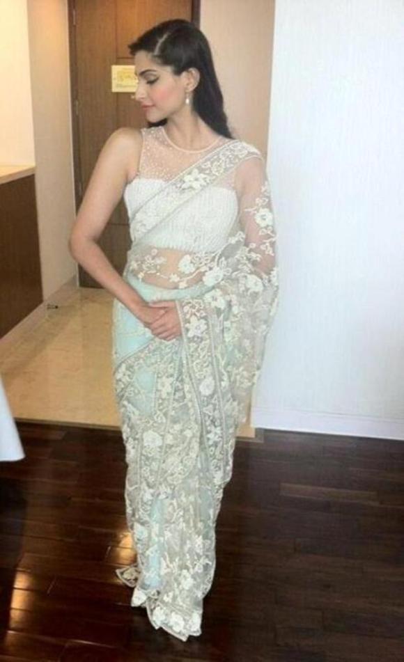 Sonam Kapoor, Raanjhanaa, Bhaag Milka Bhaag, L'Oreal, India, Fashion, Sari, Shehla Khan, lace,