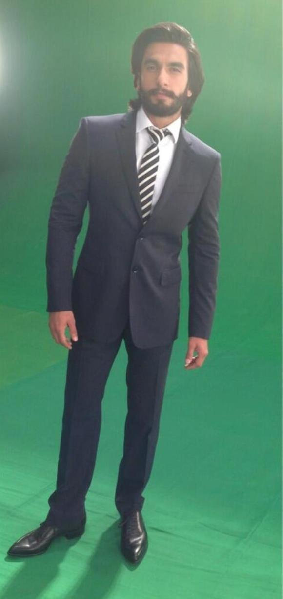 7 Ranveer Singh Burberry Suit, Paul Smith tie