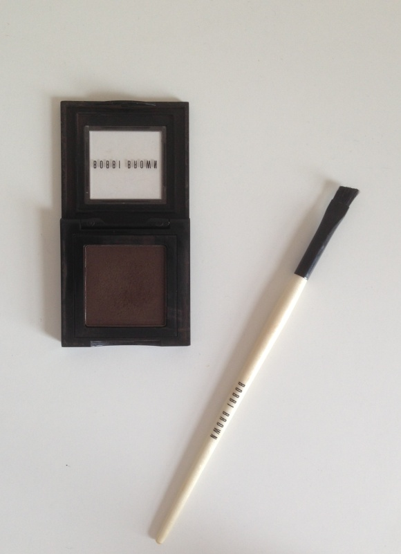 Bobbi Brown, eye brows, mahogany, blusher, blush, cranberry, Bronze, Shimmer brick, Make-up, eye shadow, Indian skin, foundation