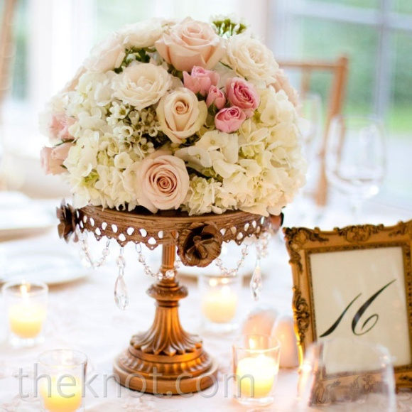 blush, pink, rose, gold, ivory, wedding, inspiration, flowers, centerpieces, bouquet, receptions, indian, bride, groom, india, fashion, sana safinaz, anita dongre, wedding invitations, table settings