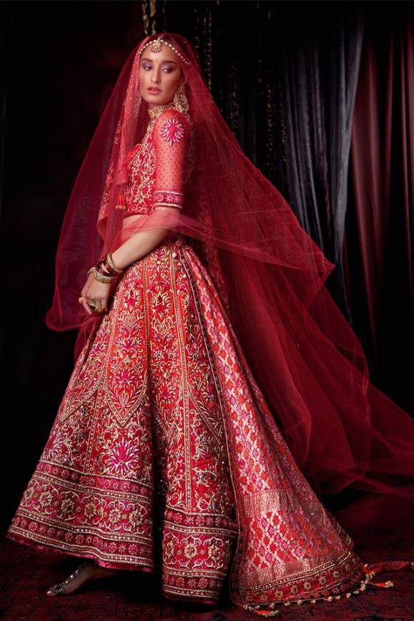 Tarun, Tahiliani, couture, exposition, 2013, The 4 C's, Couture, Crystals, Craft and Carat, indian bridal, asian, fashion, wedding, dehli, bombay. DLF Emporio