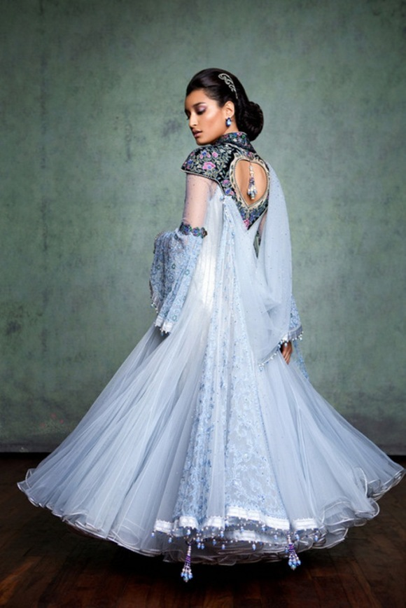 Tarun, Tahiliani, couture, exposition, 2013, The 4 C's, Couture, Crystals, Craft and Carat, indian bridal, asian, fashion, wedding, dehli, bombay. DLF Emporio, white wedding dress
