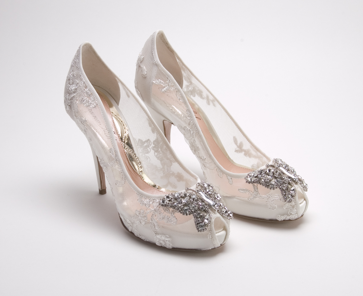 Wedding Weds: Ivory Bridal Shoes