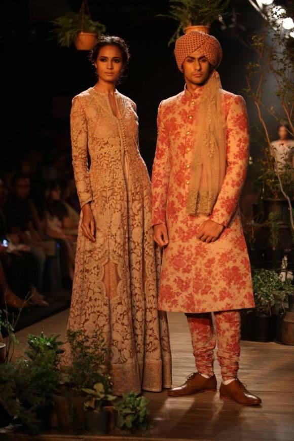 FDCI, Sabyasachi, PCJ, Delhi Couture Week, 2013, sari, sherwani, anarkali, opium, bridal, bride, groom, wedding, india