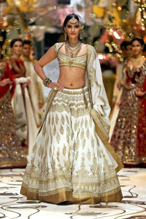 Rohit Bal, India Bridal Fashion Week, IBFW, bridal ...