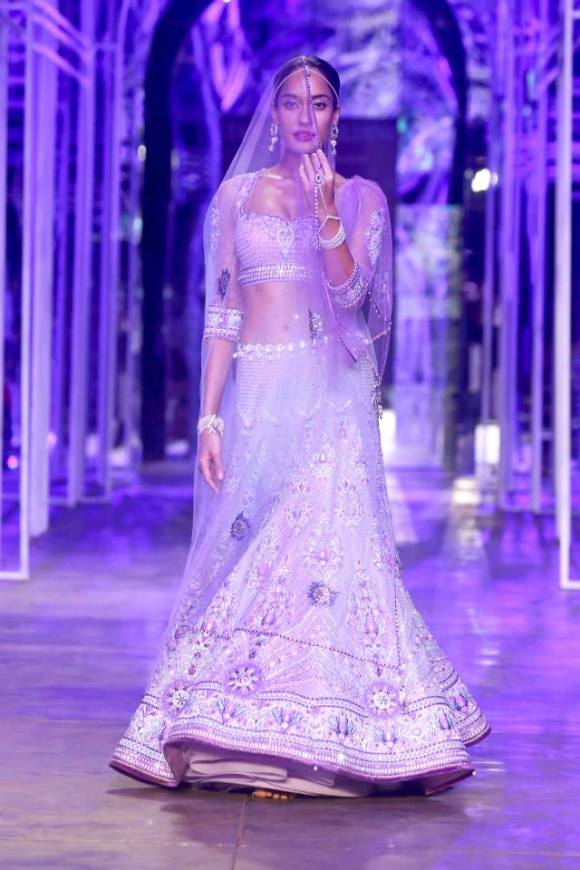 Tarun Tahiliani, Suneet Varma, India Bridal Fashion week, Aamby Valley, Lengha, choli, sharara, sari, anarkali, salwar kameez, lace, pompeii, roma, bride, groom, wedding, india, reception bridesmaids, lisa haydon