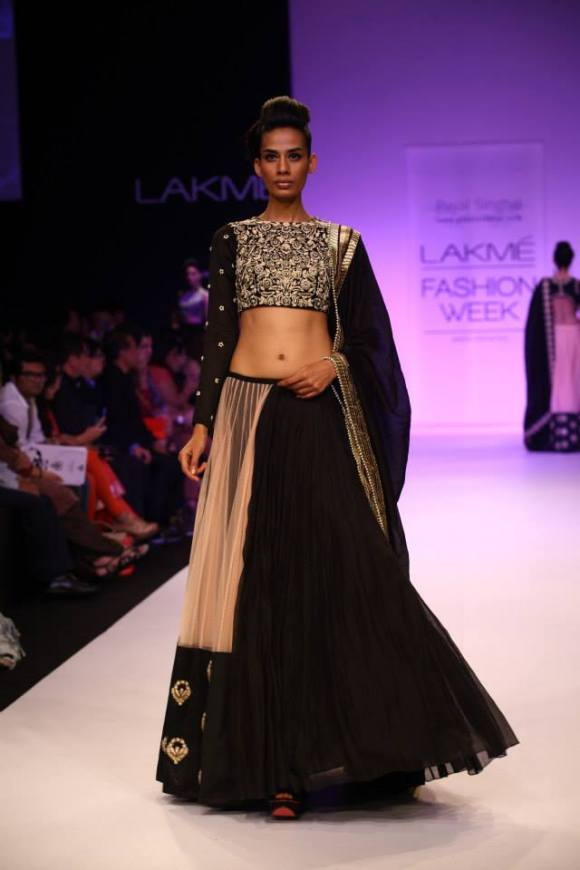payal singhal, lakme fashion week, winter festive 2013, Char Bagh, Indian Fashion, half lengha, sari, Sonam Kapoor