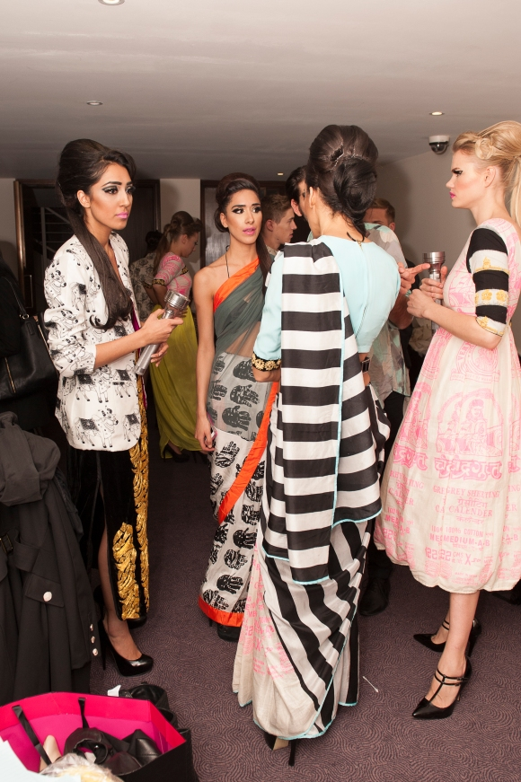 sonam kapoor, fashion flash mob, pernia quereshi, pernia's pop up, masaba gupta,
