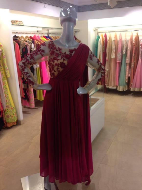 Ogaan,India, Mumbai, wedding, shaadi, sari, lengha, bride, bridal, s/s 14, Fizaa, Zarine Khan