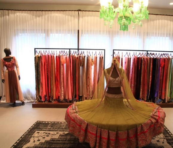 Sabyasachi, Ogaan,India, Mumbai, wedding, shaadi, sari, lengha, bride, bridal, s/s 14, Fizaa, Zarine Khan, Tip Top, Bangles, Costume Jewellery, Manish Malhotra, Diffusion