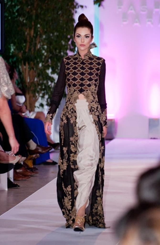 anamika khanna the asian fashion journal