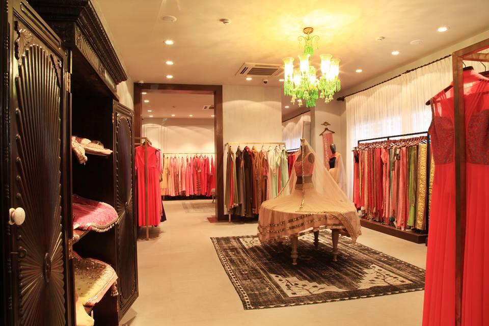 Manish Malhotra Store Review Amp My Manish Civil Ceremony
