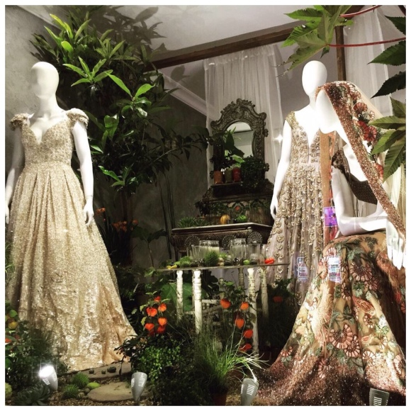 Manish Malhotra window display @ Aashni & Co